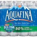 Agua embotellada: un montón de plástico al fin y al cabo