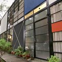 Fachada exterior de la Eames House en Los Ángeles