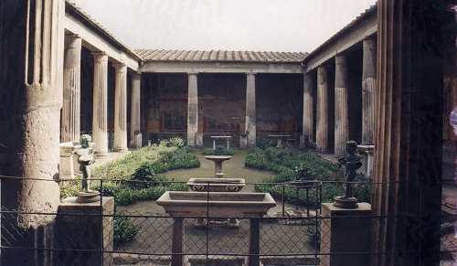 Vuelve la domus 10 casas orientadas hacia un patio for Architecture romane definition